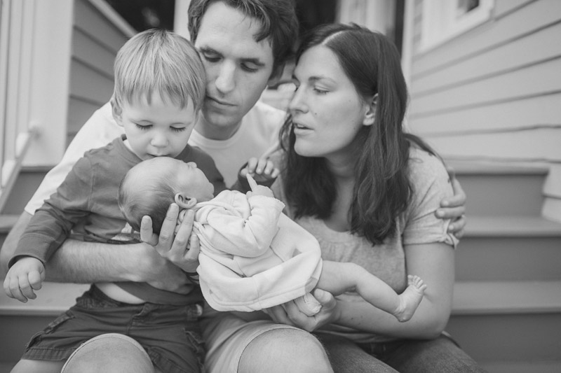lifestyle family photographer in seattle, wa001