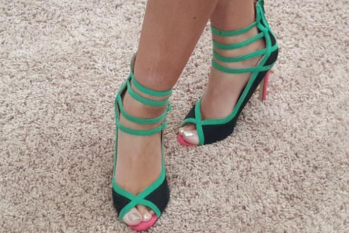 Pink_Green_Shoes_Slider.jpg