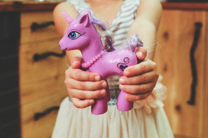 Horse_In_Hands.jpg