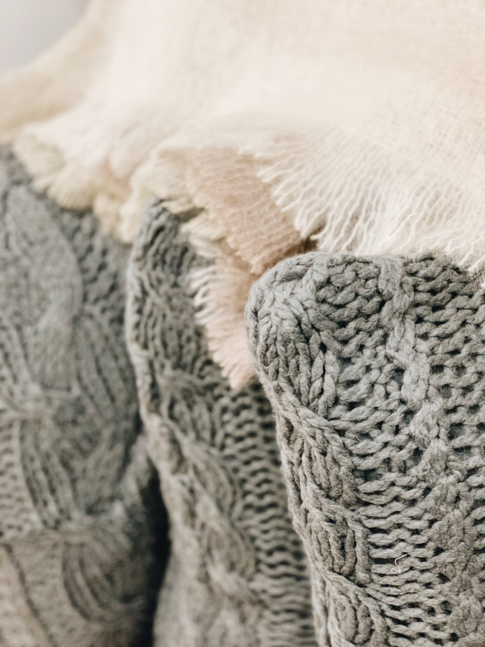 cableknit pillows and throw