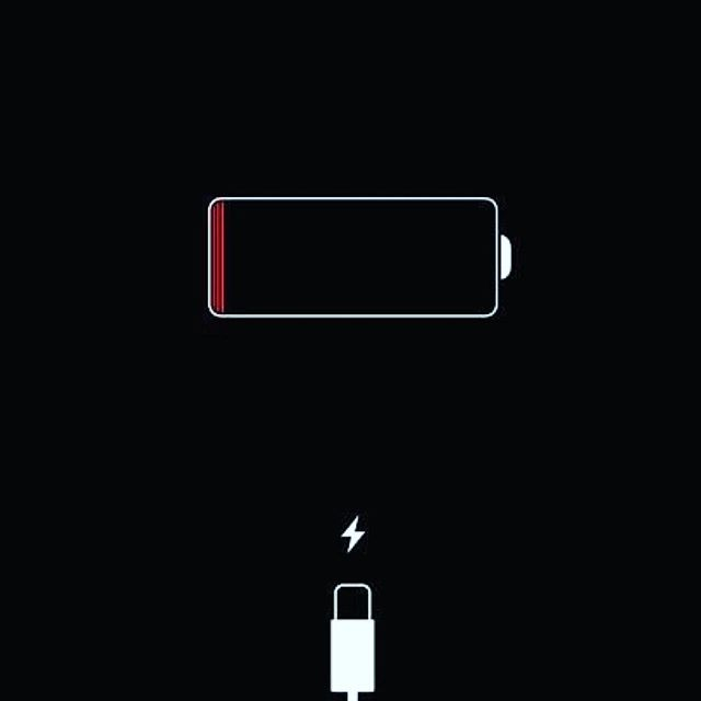 this happens to us as people too. 🚨🚨🚨 life can drain our energy & make our batteries run low. what percentage are YOU at right now? what are some things that charge you up? 🔋  #sundayfunday #recharge #relax #rest #selfcare #selflove #selfcaresunday