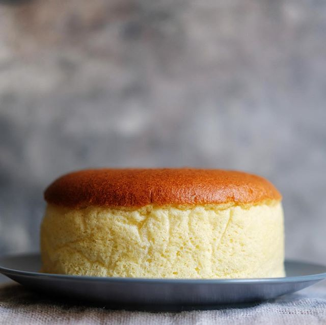 Today we are releasing Puffy Japanese Cheesecake! It is the original Hakata recipe of Japanese cheesecake that is rich, airy, and fluffy with the lightness of French souffles. Baked on order and using only the best ingredients of pure cream cheese, unsalted NZ butter, and fresh farm eggs, this is a delicacy you can enjoy again and again without feeling bored 🧀 - We are selling this in whole cake of 16 cm in diameter for only IDR 99,000 - Due to the delicate quality of cheesecake, this cake can only be delivered by GoSend in the areas around Jakarta and Tangerang. Please do drop us message via DM or WA - This cake will last 18 hours outside refrigerator and up to 3 days inside chiller - All orders today will be baked on Monday 9 April 🙏 . . . . #cheesecake #japanesecheesecake #uncletetsu #fluffycheesecake #cheesecakejkt #zefercheesecake #jktcheese #zeferid #zefercheese #food #caketoorder #kuejkt #jajanjkt #bolu #kuekeju #wholecake #kueultah