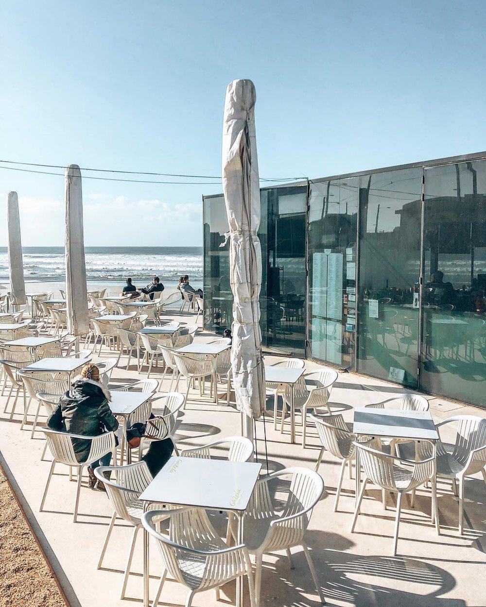 Vagas Bar | Matosinhos     Sur la plage .