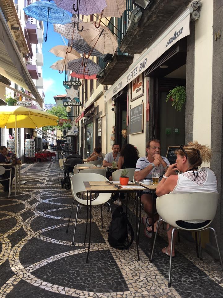 Well.com | Funchal   Au coeur de la ville.