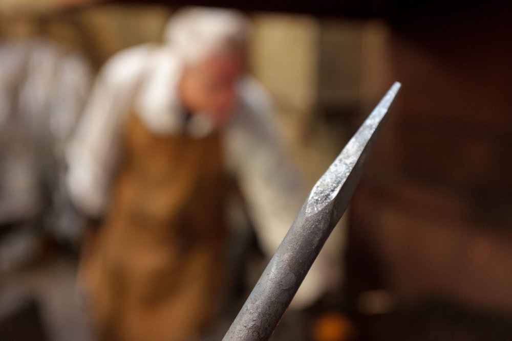 Hot-Metal-Works-Blacksmith-Experience-Workshop-Taper-Book-A-Workshop-With-Artistic-Blacksmith-Neil-Brown