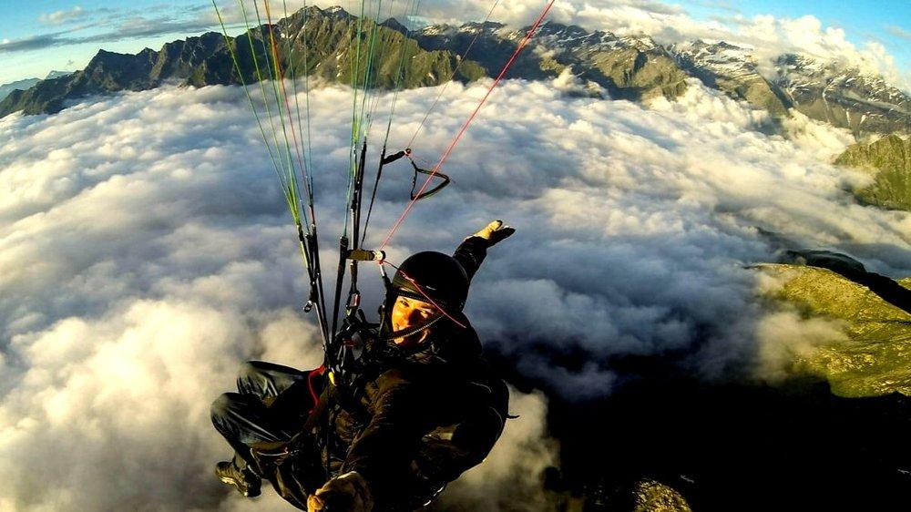 verbier-paragliding.jpg