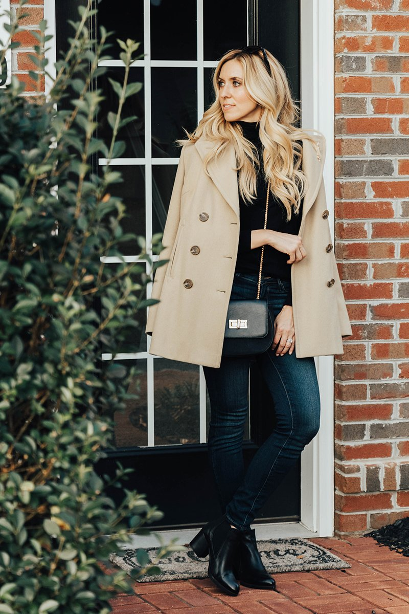DARK JEANS - Dark washed or black (better yet, get both!). You will wear these on repeat through fall and winter. Find a pair of skinny jeans that fit you perfectly, and they will be your best friend.