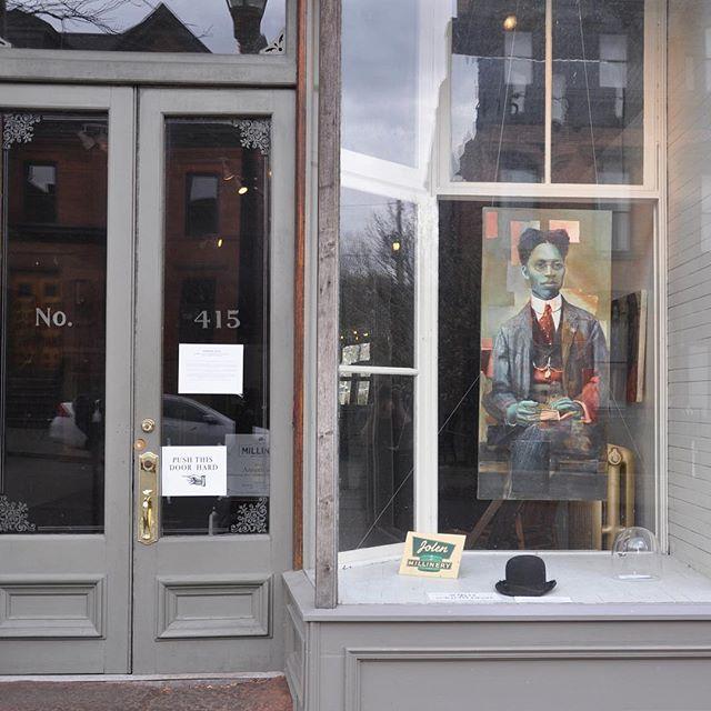 Window on #warrenst of #thehudsonmilliner #historicdoors and painting by #charlottajanssen #upstateny #ilovehudson