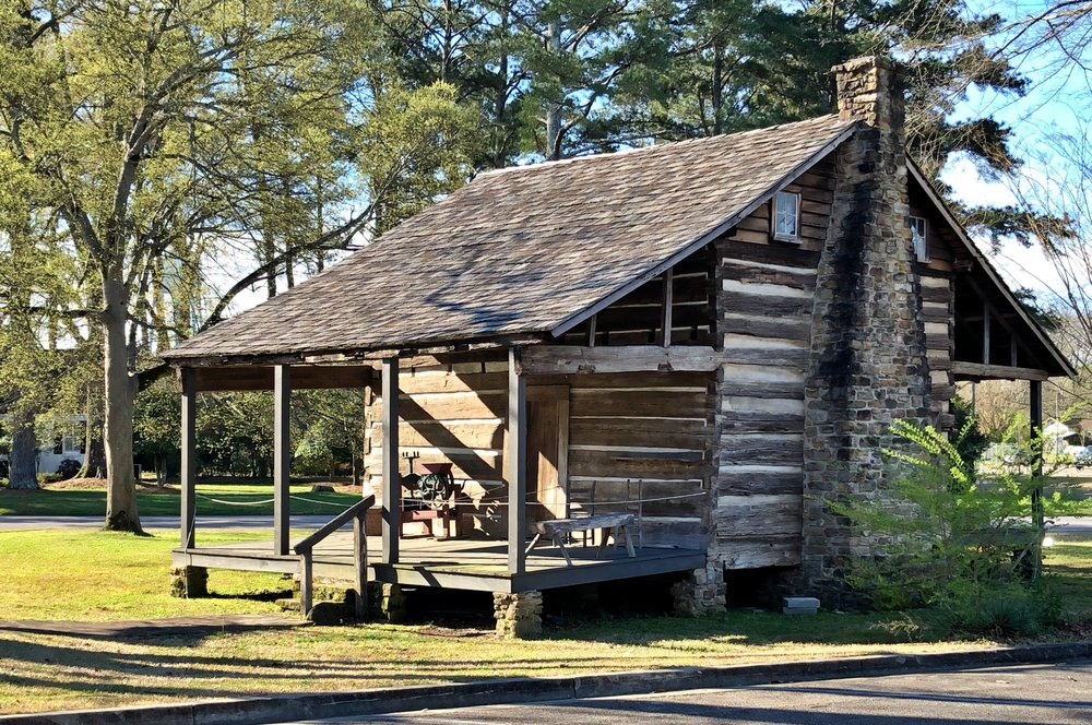 Cabin built between 1838-1840 and made of heart pine
