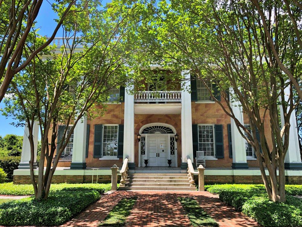 Battle-Friedman House, 1835 … Photo by Caroline Pugh