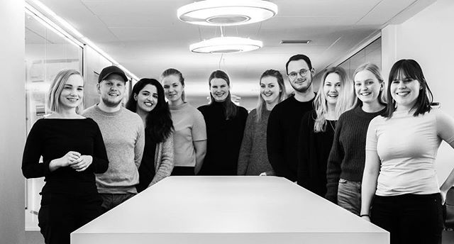 VI ER I GANG! Det er en glede å introdusere det splitter nye sentralstyret for MedHum 2020! Denne helgen har vi vært samlet i et solfylt Bergen, hvor vi har hatt vårt aller første sentralstyremøte. Det har vært både givende og inspirerende dager, og vi gleder oss enormt til fortsettelsen! ⭐️