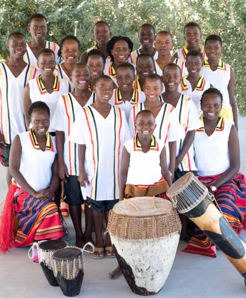 Choir-Group-1b.jpg