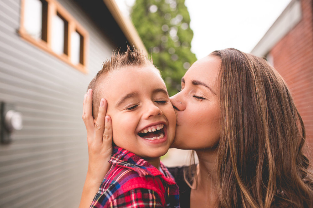 mom-kissing-her-son_t20_waa0lV.jpg