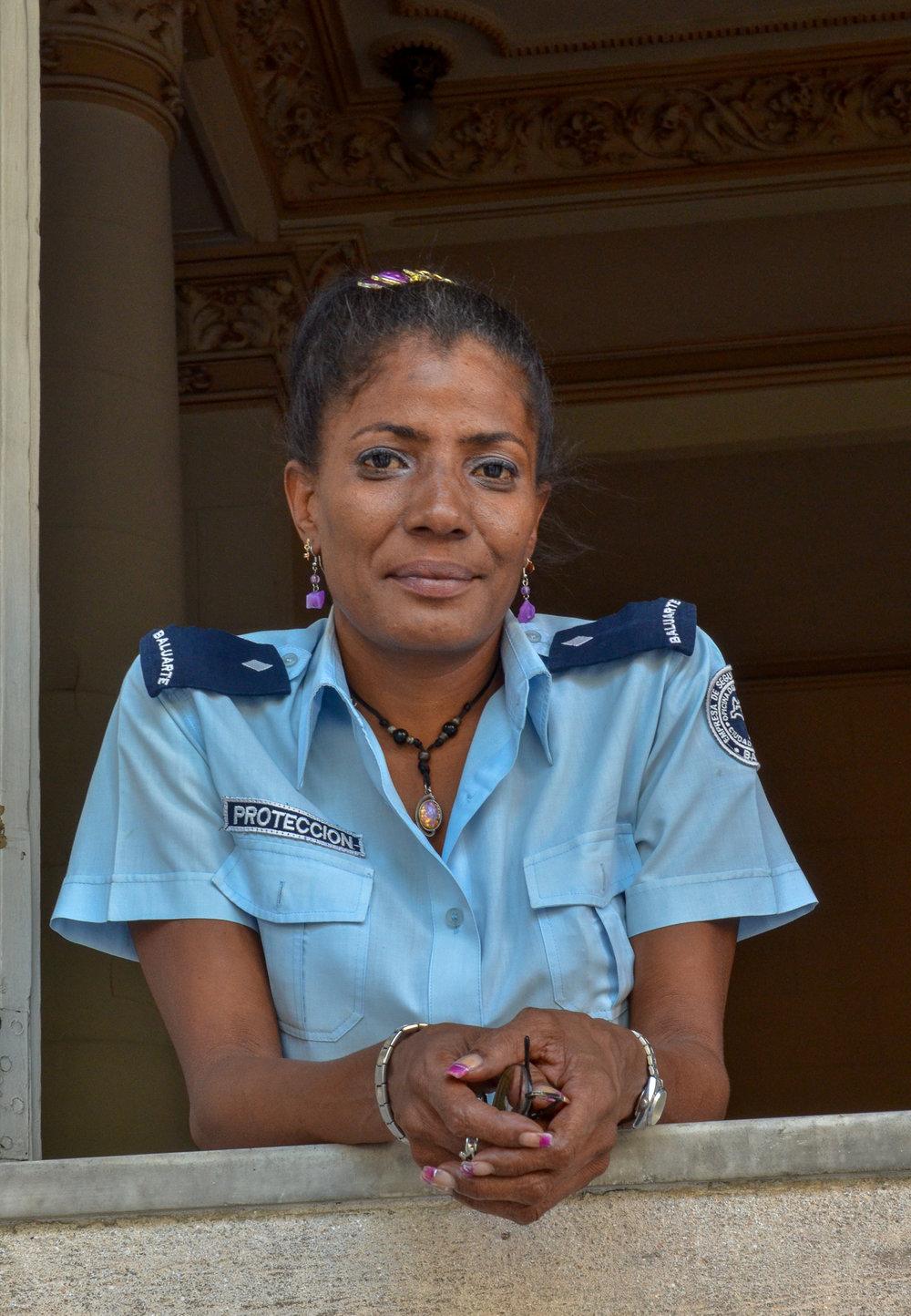 Security Guard Appelidos - Havana Cuba