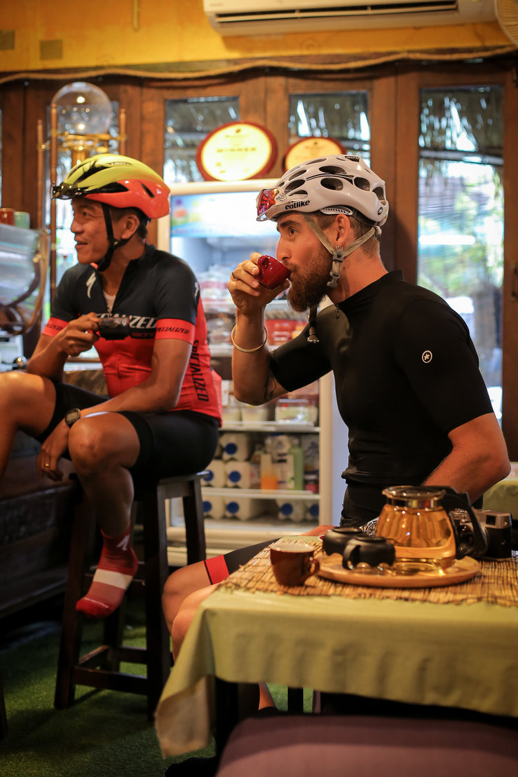 I enjoy soy milk in a decaf coffee later in the day (I will cover a blog post on decaf shortly) but pre-ride I always keep my coffee's black.