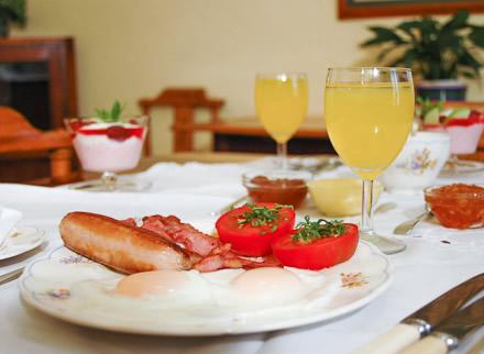 cypress_cottage_breakfast_graaf_reinet_self_catering_image3.jpg