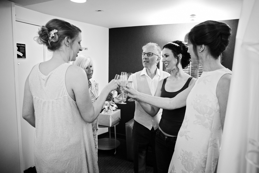 london-documentary-wedding-photography-at-stationers-hall 04