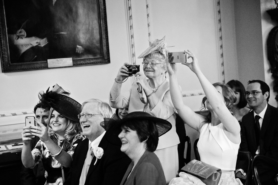london-documentary-wedding-photography-at-stationers-hall 19