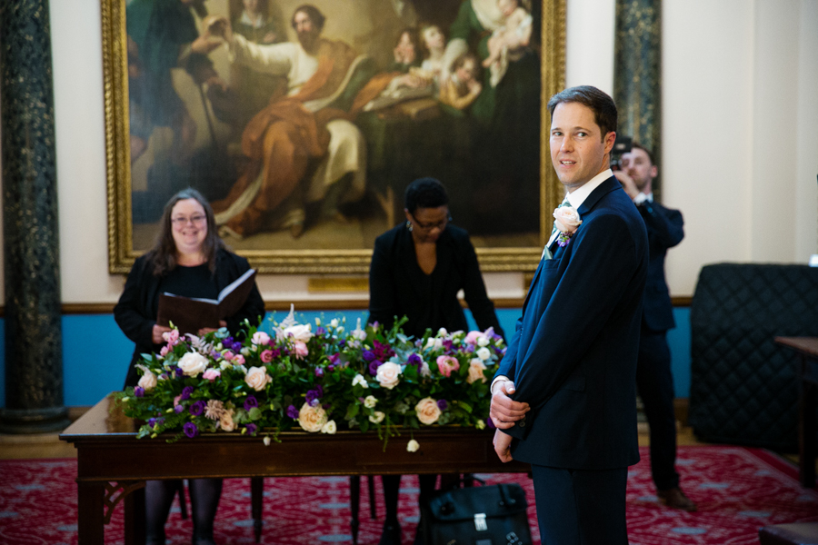 london-documentary-wedding-photography-at-stationers-hall 21