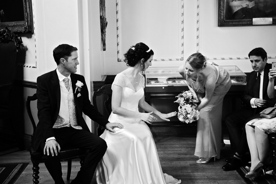 london-documentary-wedding-photography-at-stationers-hall 30