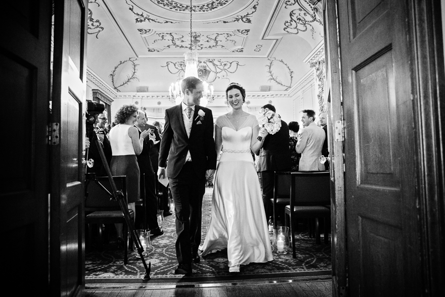 london-documentary-wedding-photography-at-stationers-hall 33