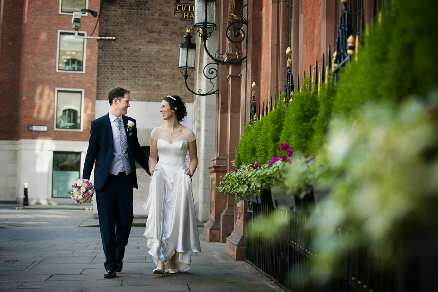 london-documentary-wedding-photography-at-stationers-hall 37
