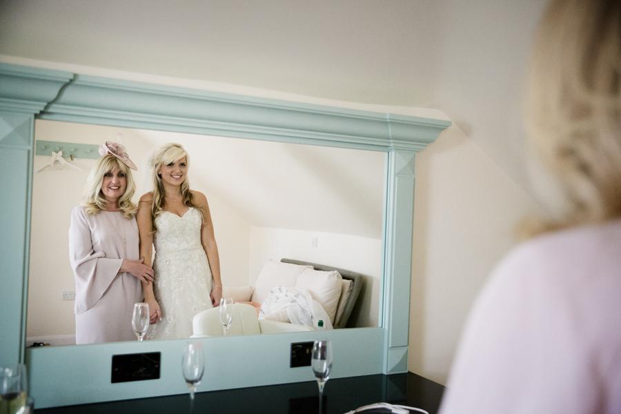 hertfordshire-wedding-photography-at-micklefield-hall 12