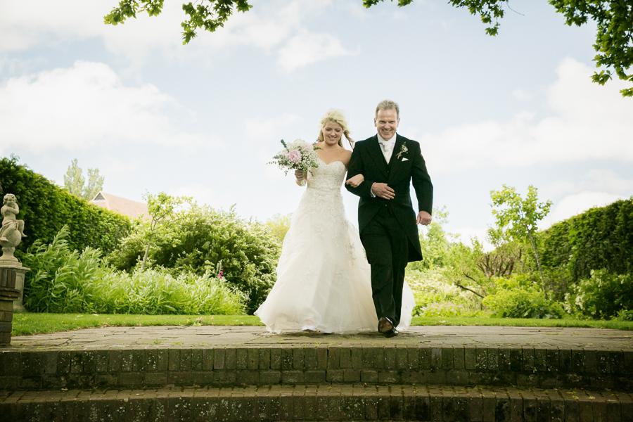 hertfordshire-wedding-photography-at-micklefield-hall 23