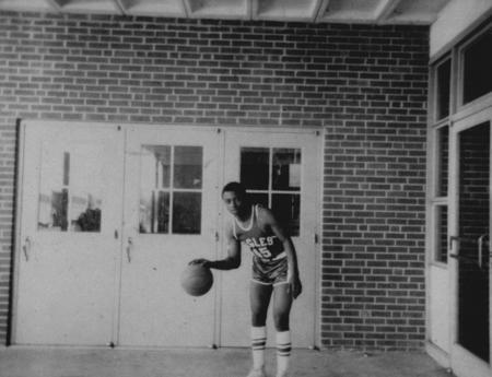 basketballplayer_michaelhood_1967_68_14554973071_o.jpg