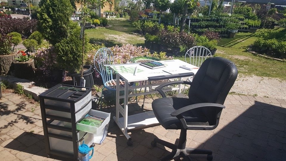 Outdoor%2BDesign%2BDesk.jpg