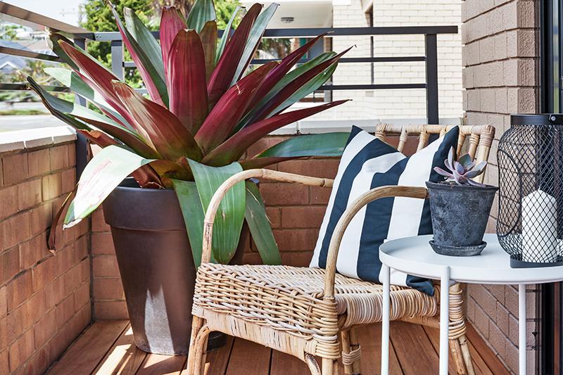 Merci+Maison+-+Balcony-Low.jpg