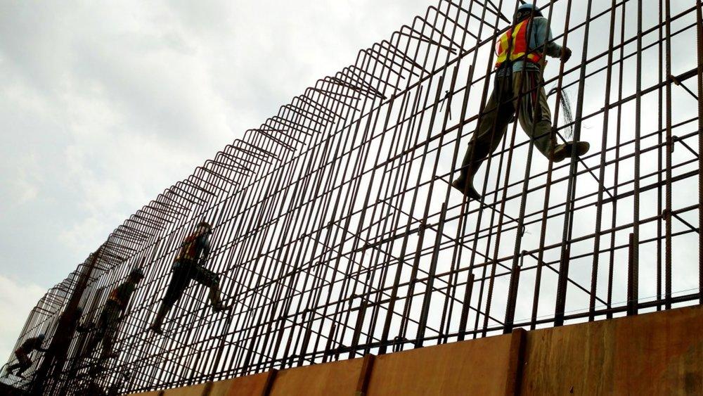 construction_worker_concrete_work_labor_task_build_builder.jpg