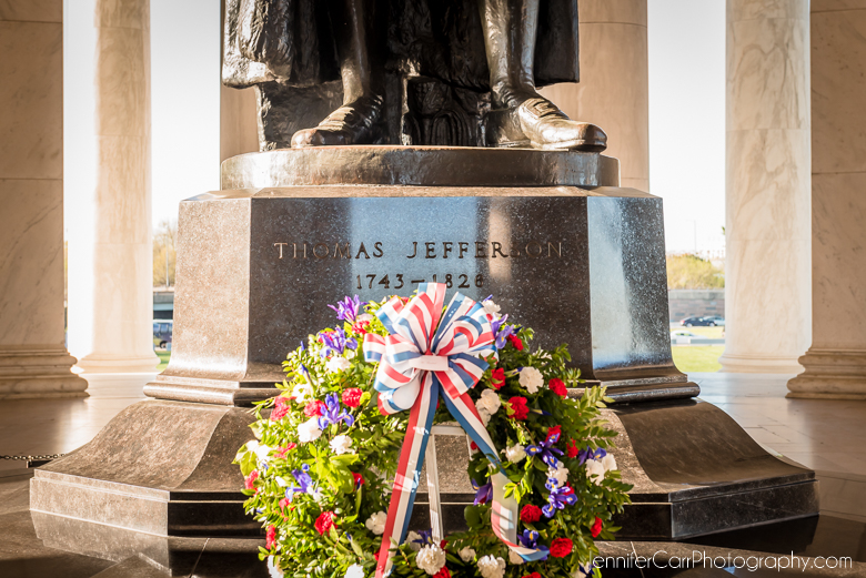 thomas jefferson memorial washington dc monument wreath laying ceremony