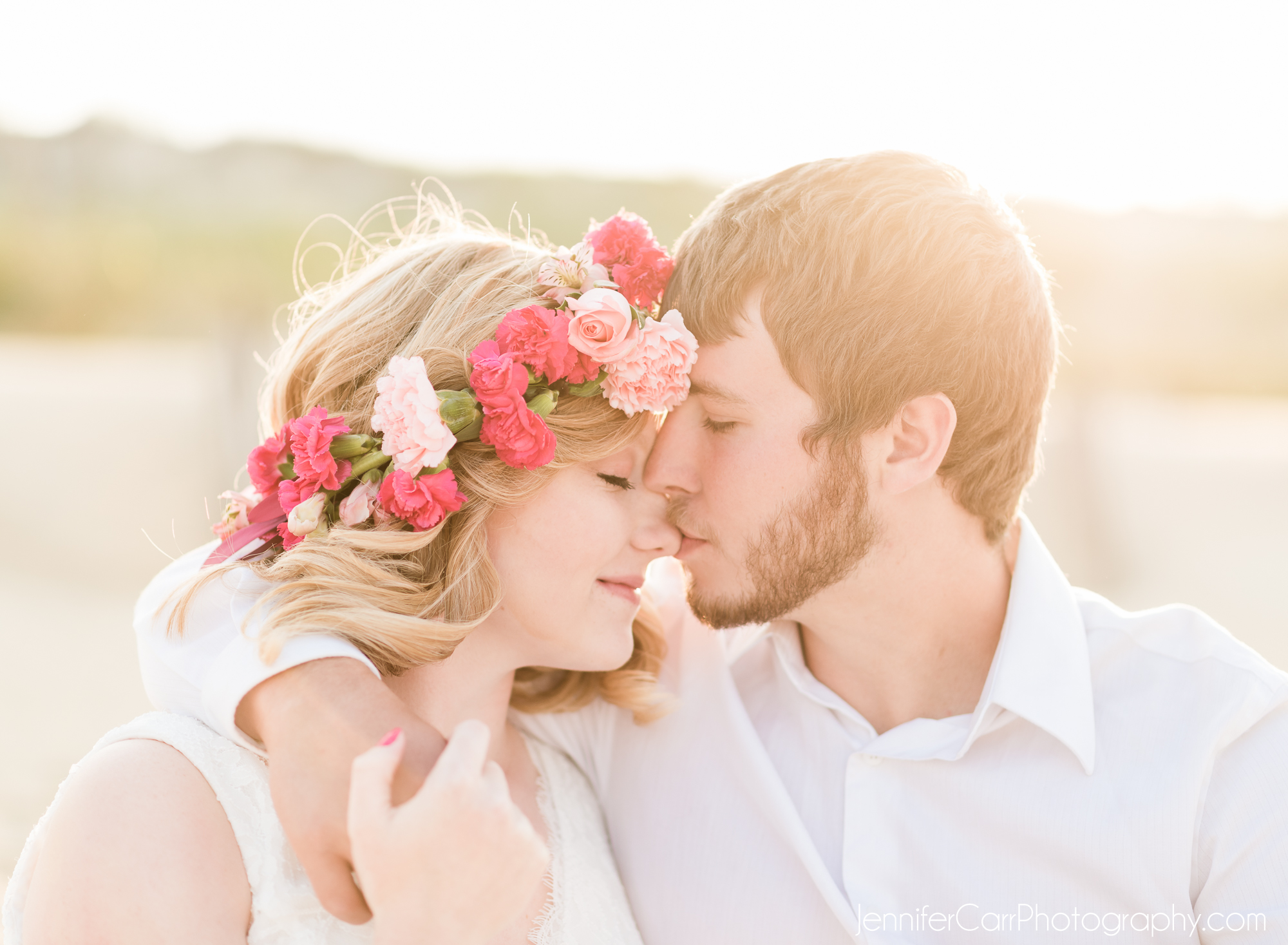 弗吉尼亚海滩私奔摄影师与情侣订婚©詹妮弗·卡尔摄影