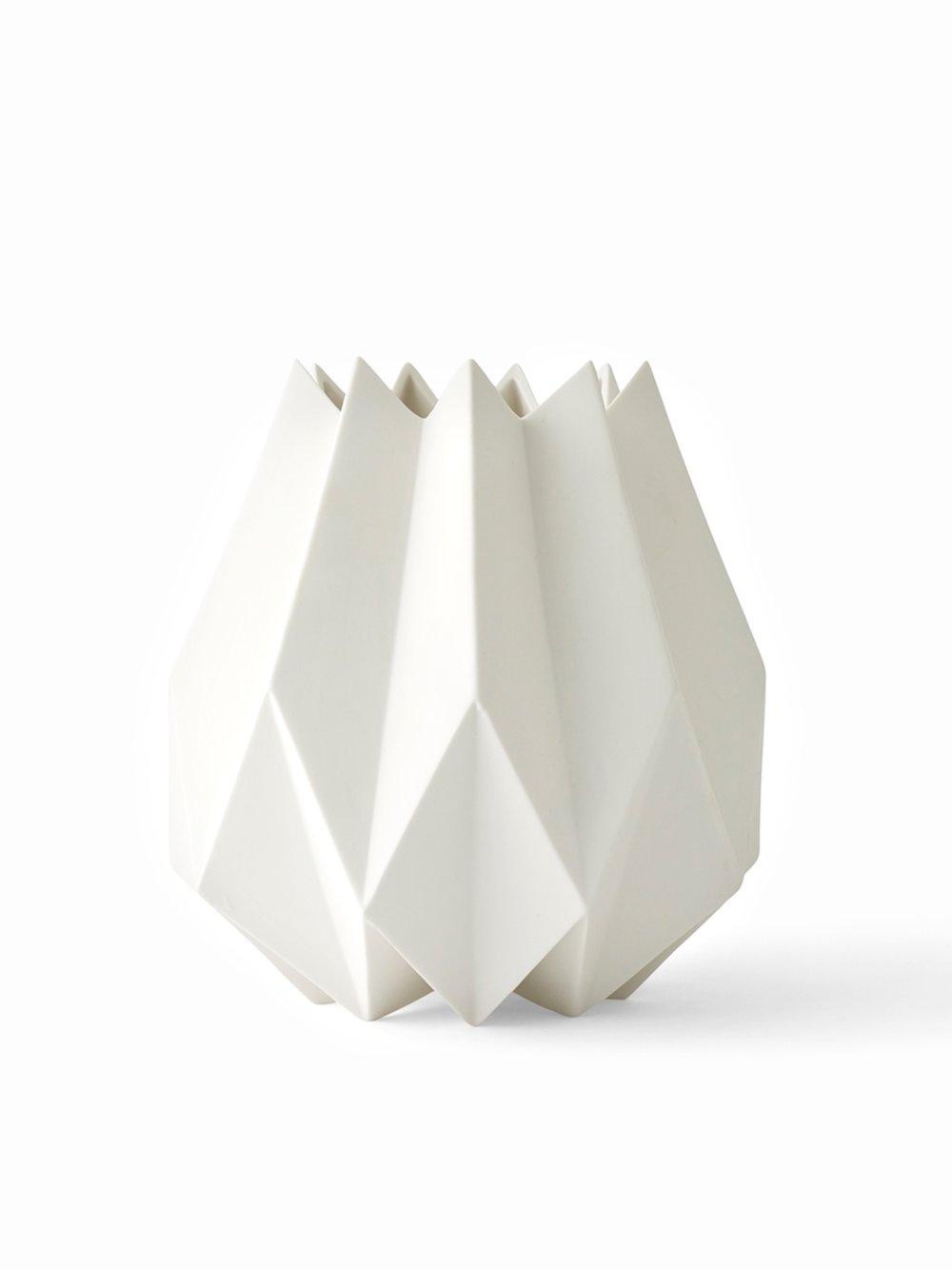 4764639_Folded_Vase_White_Tall.jpg