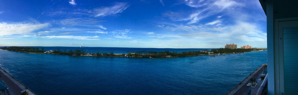 Bahamas - The huge hotel on the right is Atlantis.