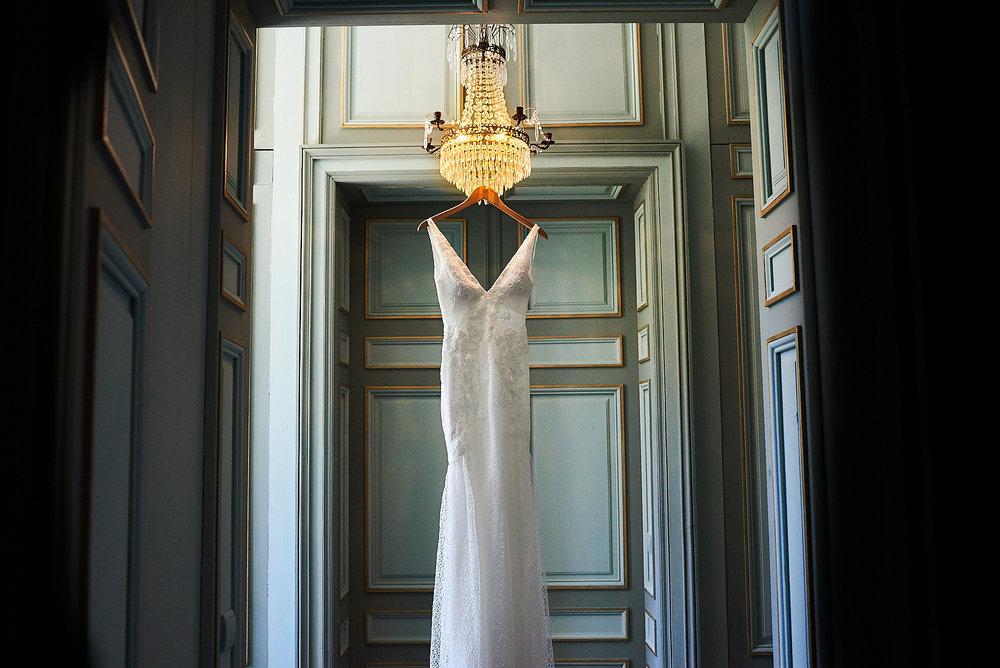The dress - Wedding at Chateau la Durantie Dordogne, France. Wedding photographer in Clermont-Ferrand Bordeaux