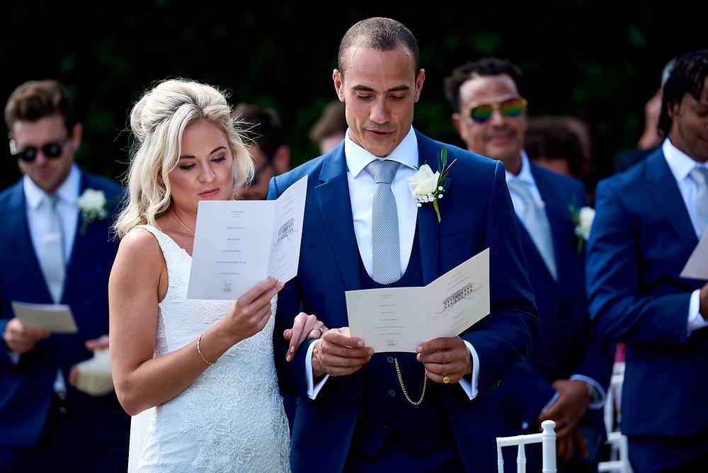 Wedding at Chateau la Durantie Dordogne, France. Wedding photographer in Clermont-Ferrand Bordeaux
