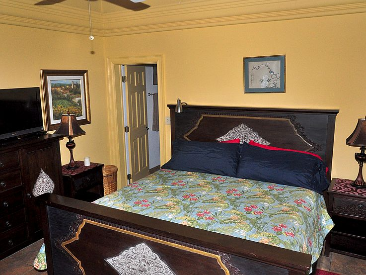 MoonSwept-Bedroom-two.jpg