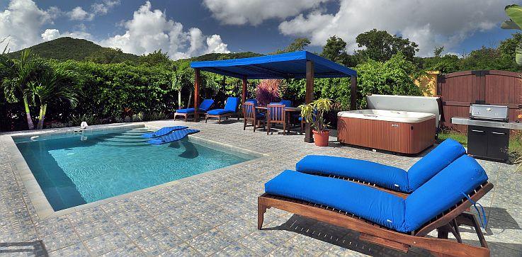 pool-spa-deck.jpg