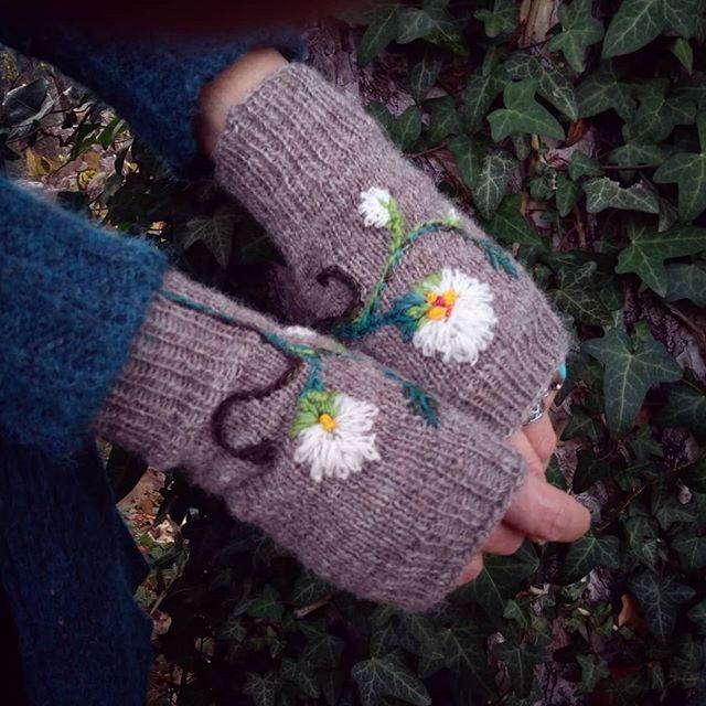 Flower Power Mitts