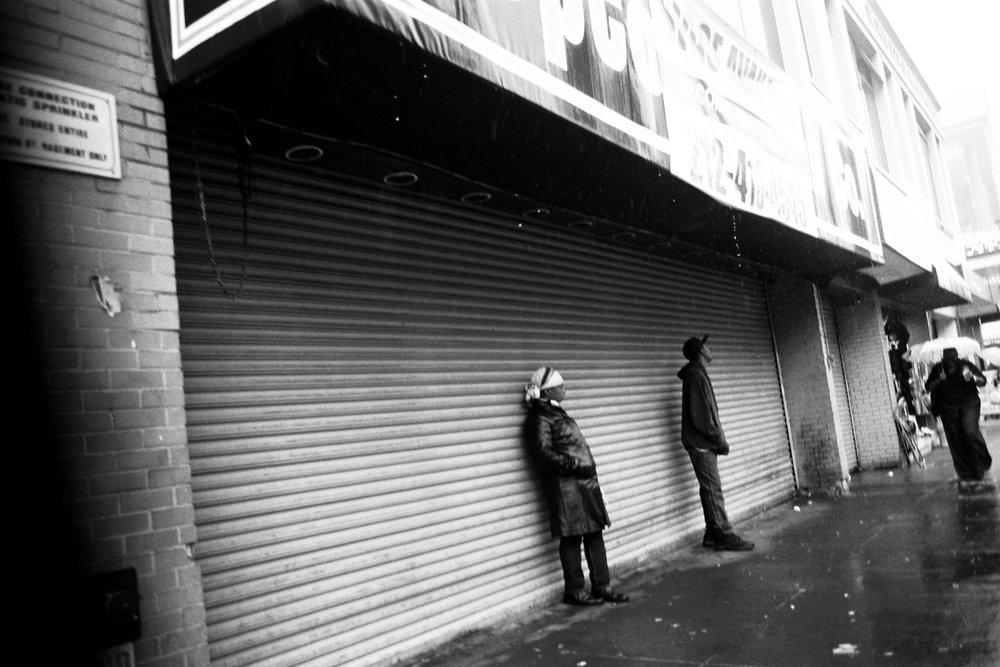 02_CANON_EOS_1N_BW_Harlem_NYC_copyright_thomasApp.jpg