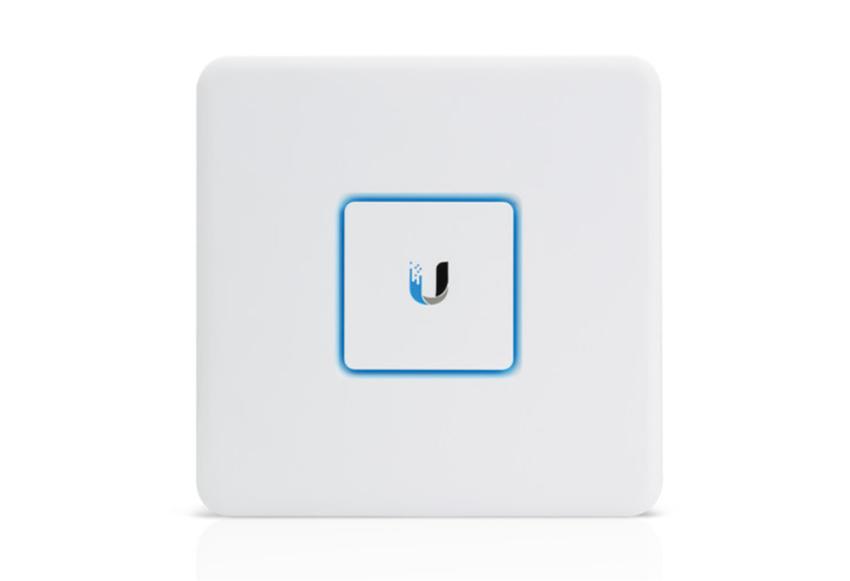 Ubiquiti Unifi Security Gateway USG.jpg
