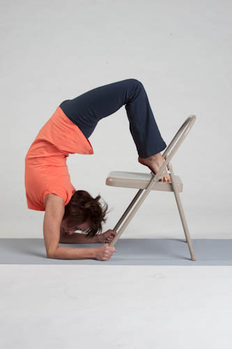 Scorpion with chair