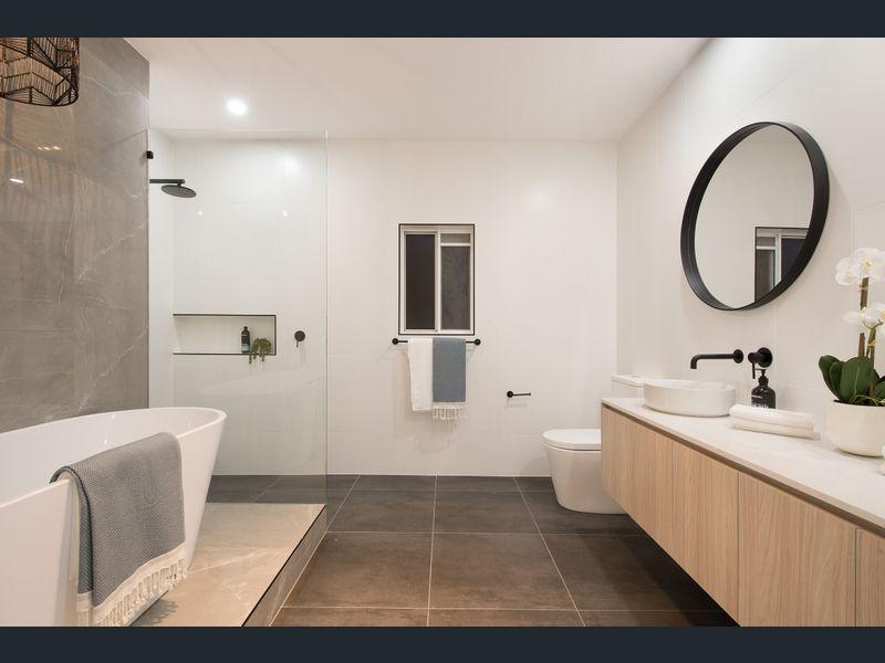 MARTINIQUE BATHROOM.jpg