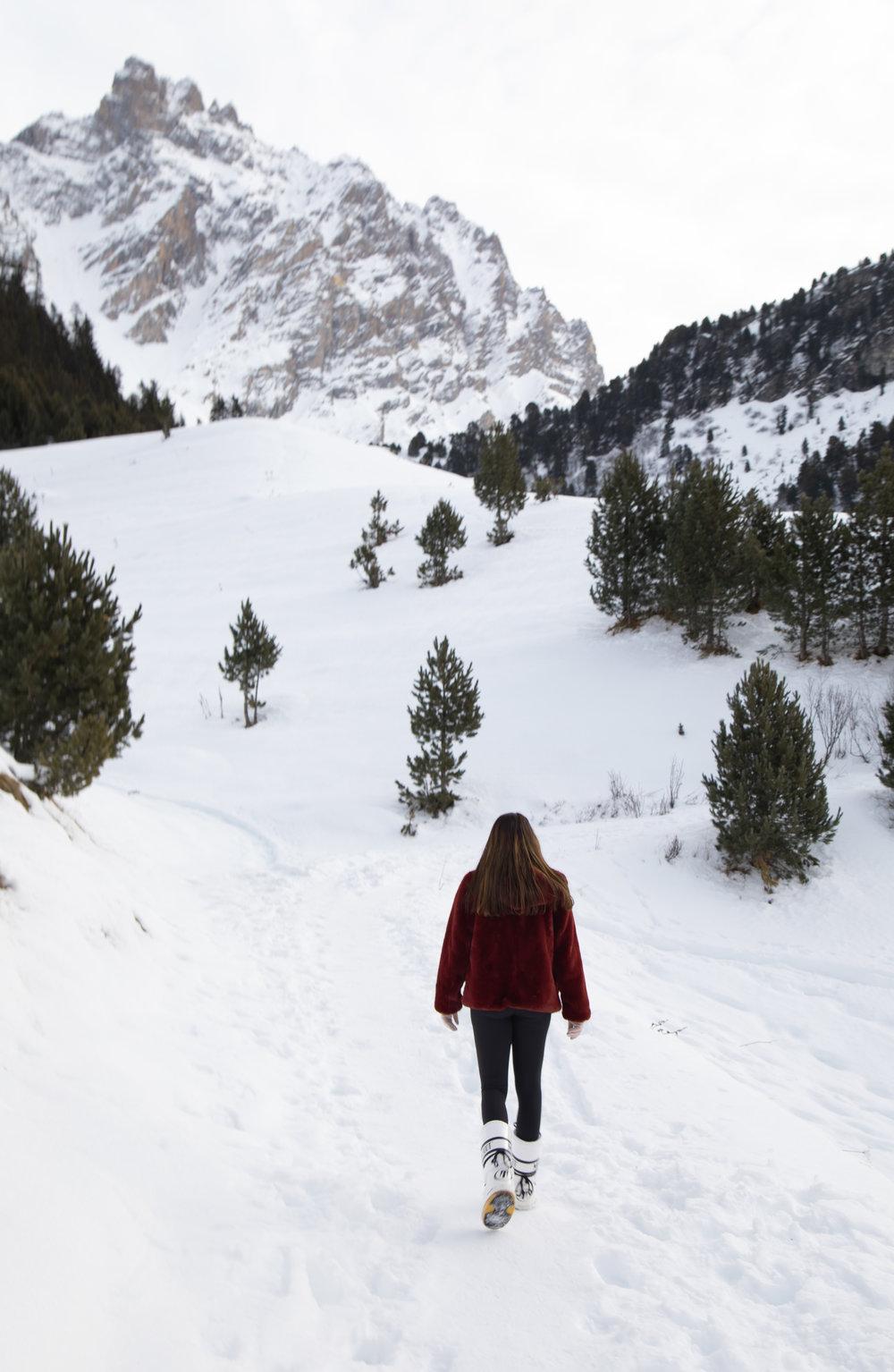 hiking-meribel-france