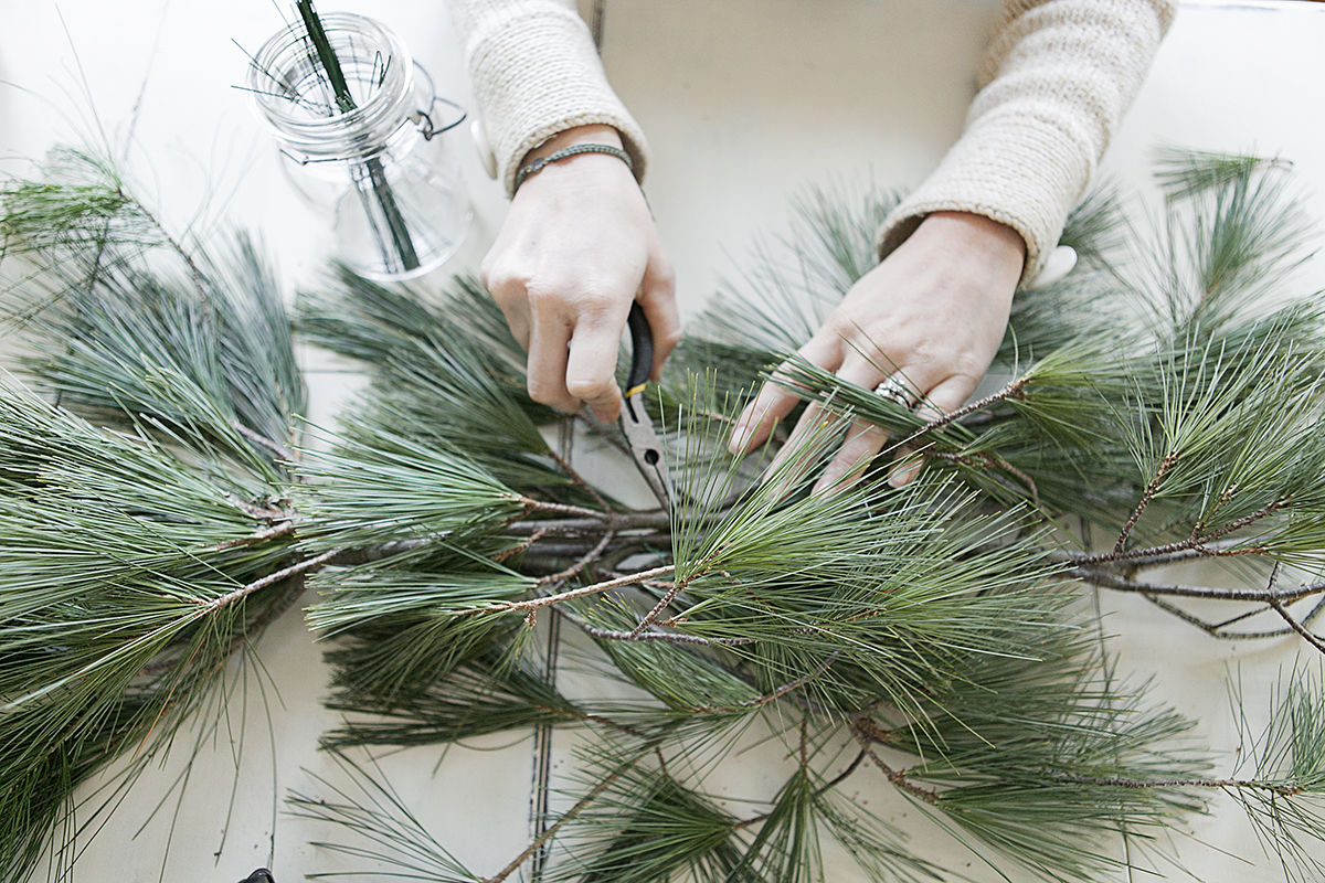 How to make live evergreen garland like pottery barn at home