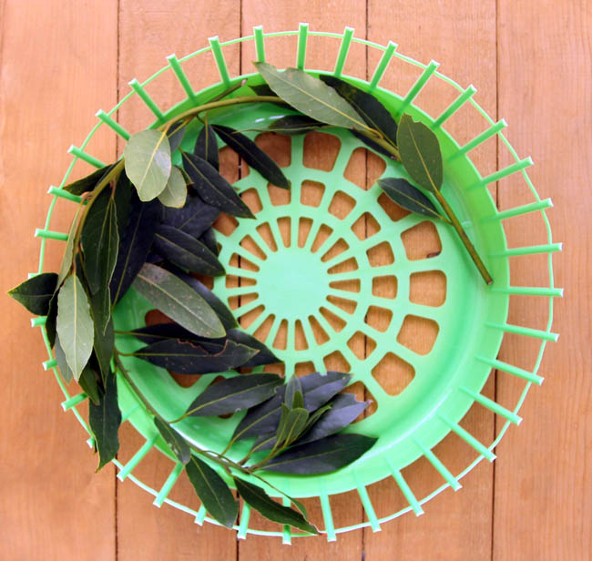 laundry basket Chrsitmas wreath