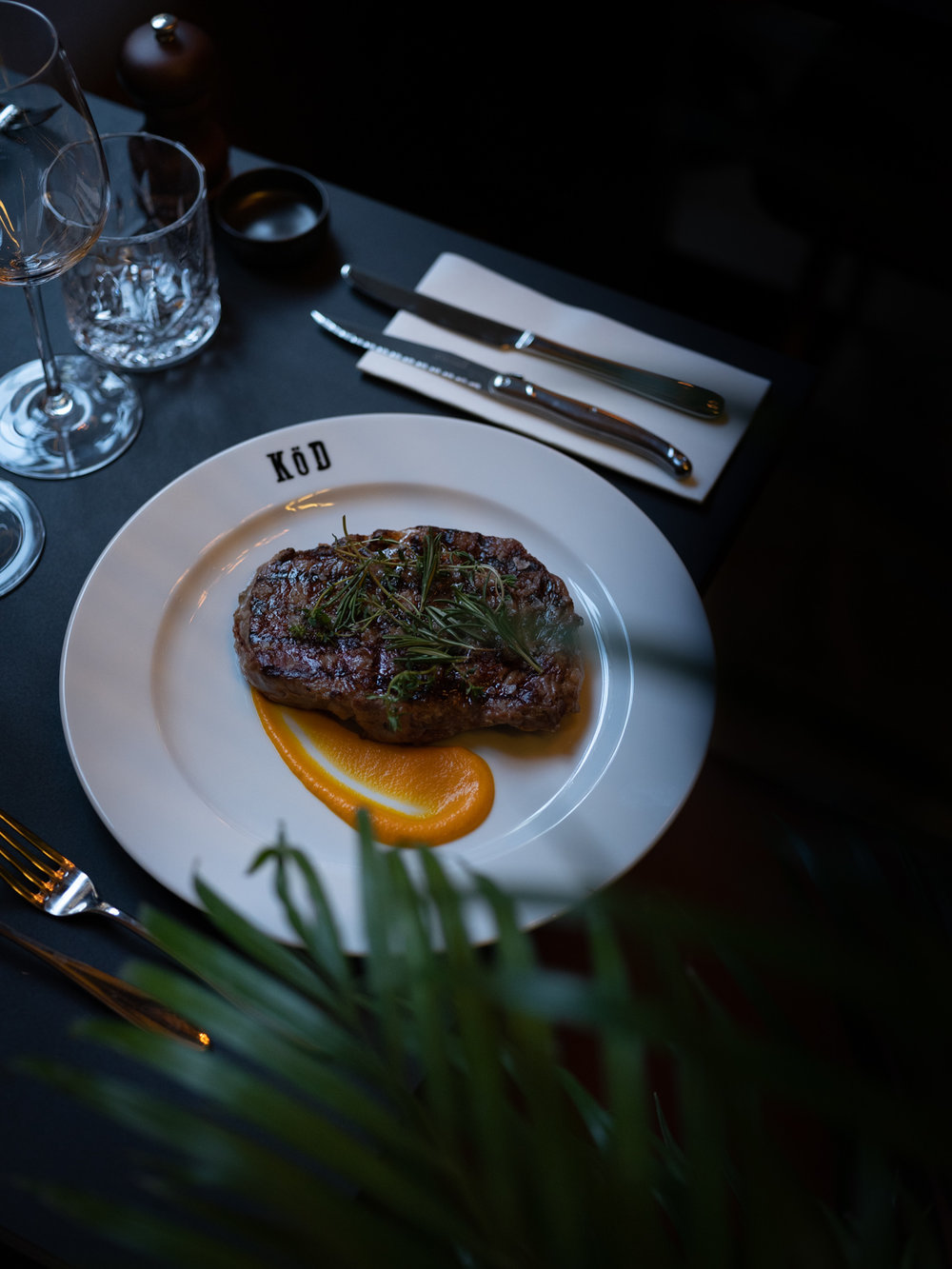 kod oslo mats dreyer fotograf perfekt biff i oslo restaurant