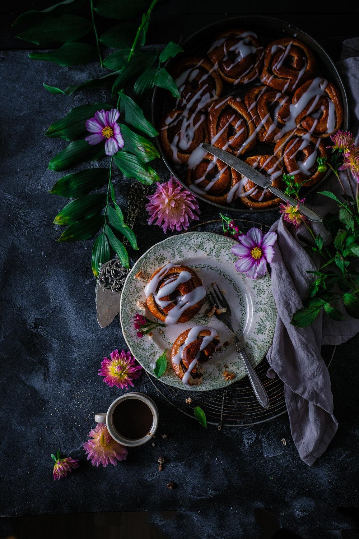cinnamon rolls blomster fotoshoot oslo fotograf mats dreyer